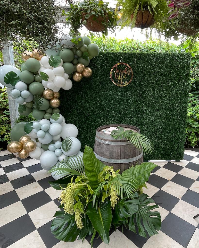 Green Walls | Plum Crazy Agency | Backdrop Walls | Weddings